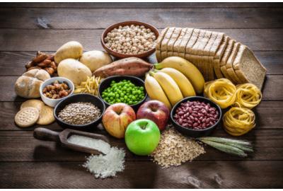 ¿Qué y cómo es la pirámide de la alimentación saludable?