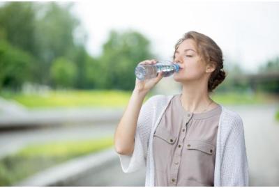 Consejos para disminuir la retención de líquidos