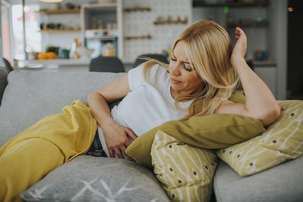 ¿Cómo se pueden aliviar los dolores menstruales?