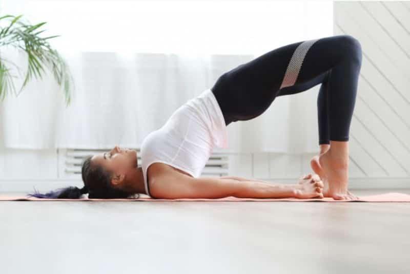 10 ejercicios para trabajar la espalda en casa
