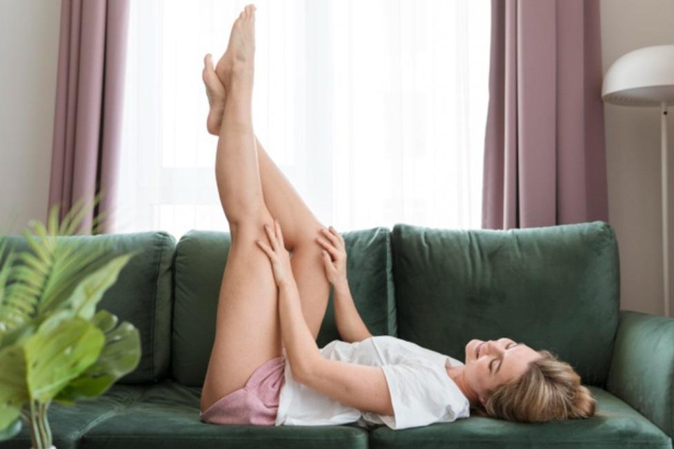 Trucos y consejos para deshinchar rápido las piernas
